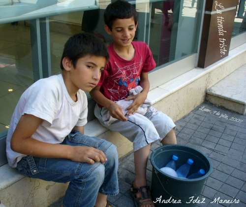 lunes, 09 de julio de 2007007, La tienda triste de Estambul11.54.44